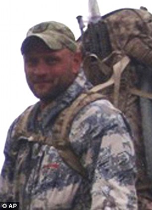 Senior Chief Petty                              Officer Thomas A. Ratzlaff, 34, of Green Forest, Ark.